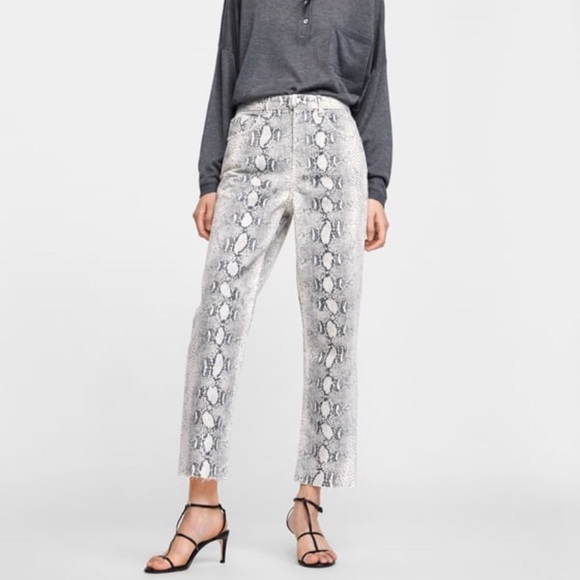 100% high quality popular stores new photos NWT Zara high rise cropped snake print jeans 2